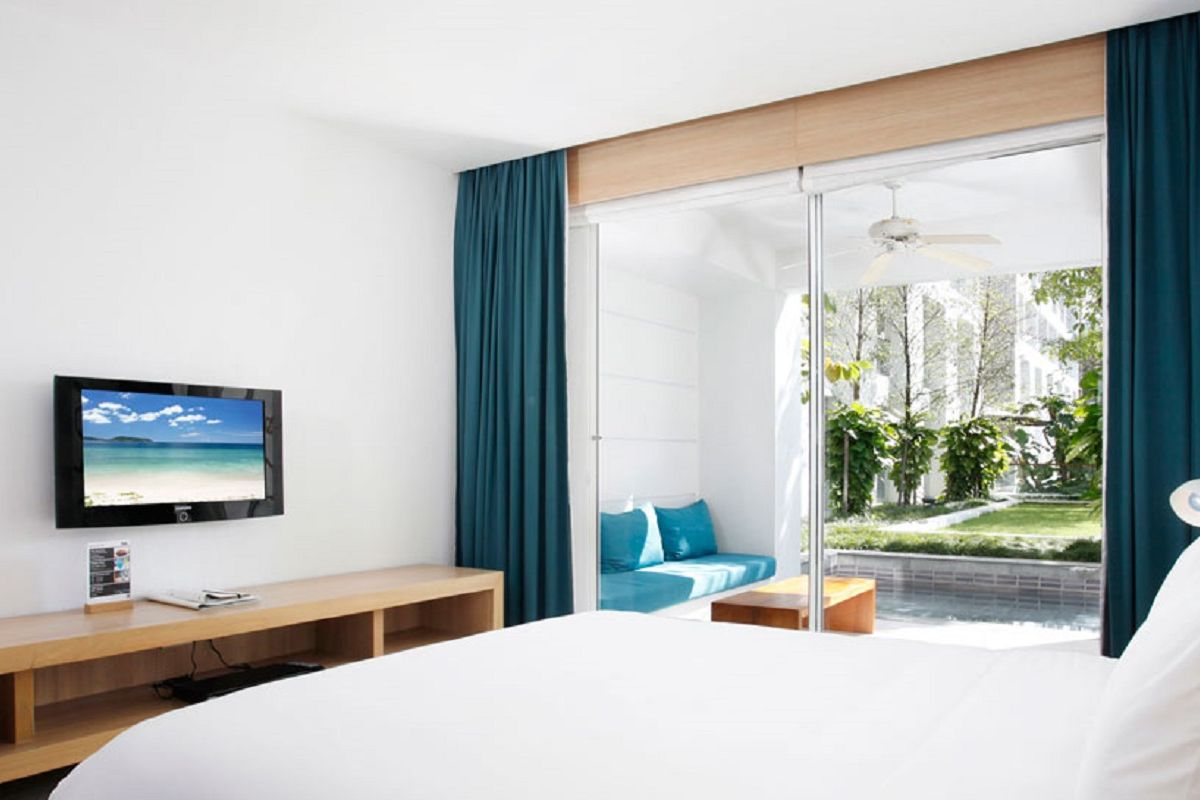 X2 Vibe Patong - Deluxe Plunge Pool Access