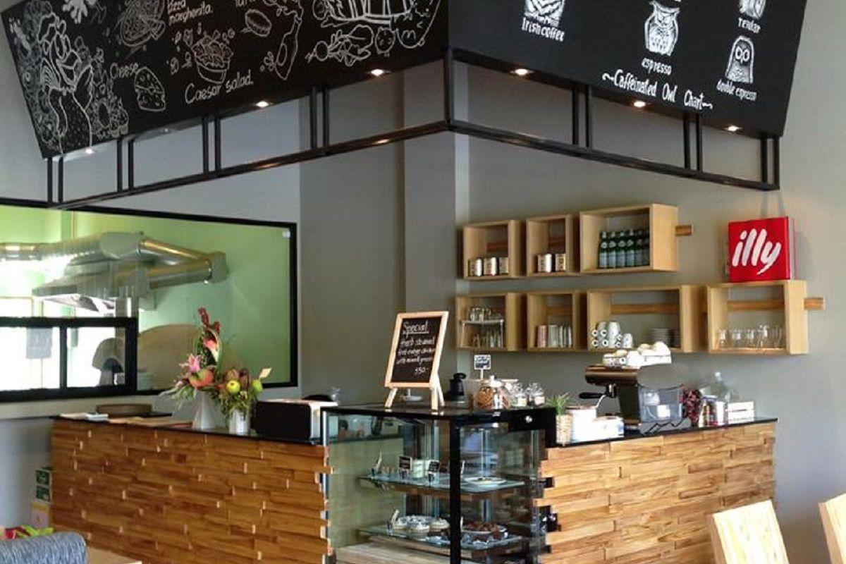 Crust Restaurant - Interior view