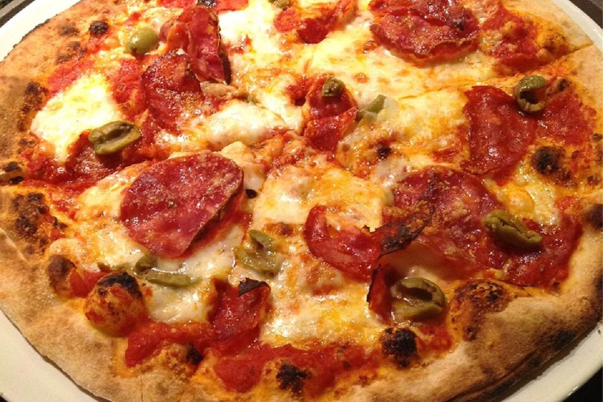 Crust Restaurant - Pizza Picante