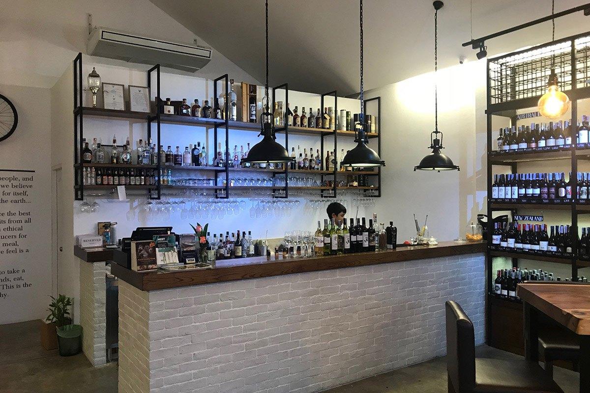 Drinks & Co - Main Bar