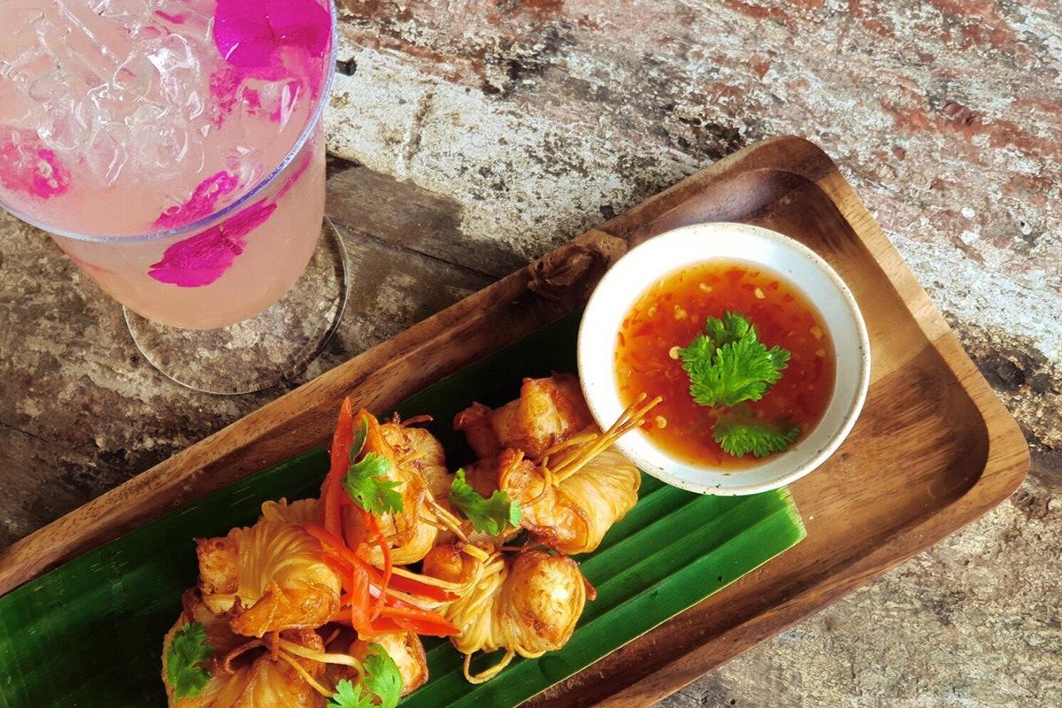 Chalong Bay Restaurant - Kung Sarong