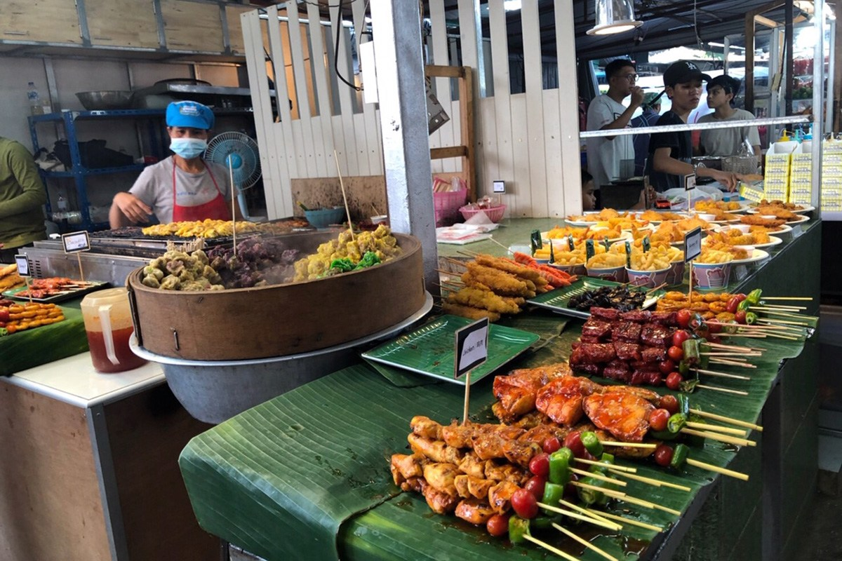 Naka Market - Food