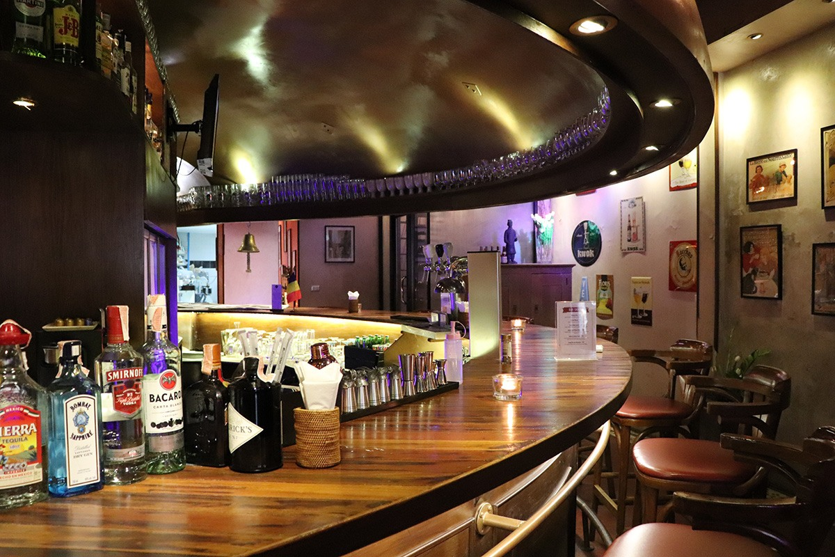 Brasserie Phuket - Interior Bar