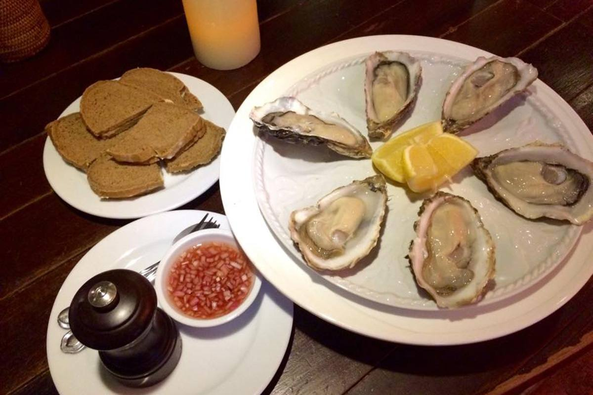 Brasserie Phuket - Oysters