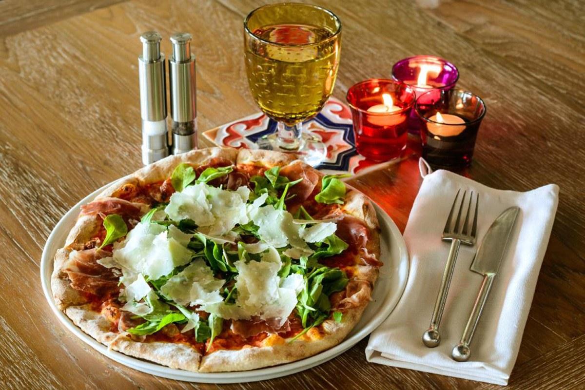 Cucina Restaurant - Pizza Prosciutto