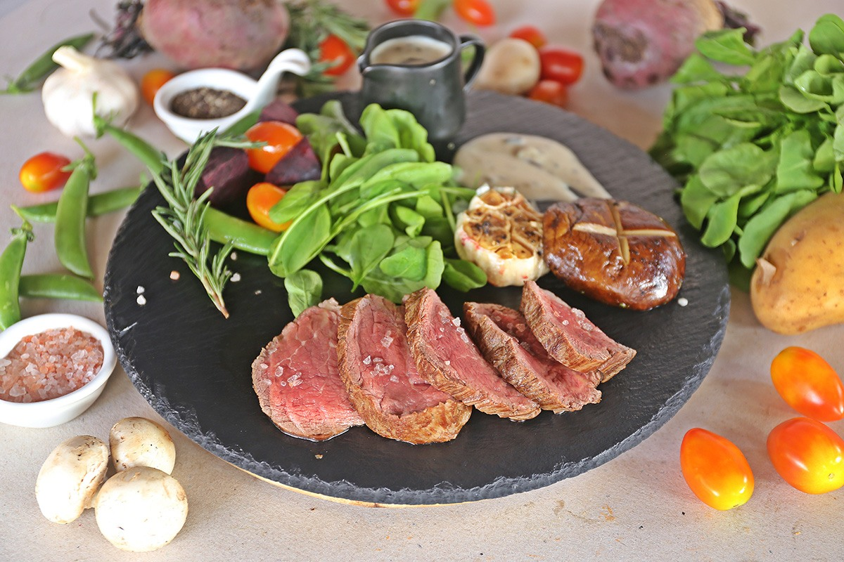 Two Chefs Bar & Grill - Chateaubriand