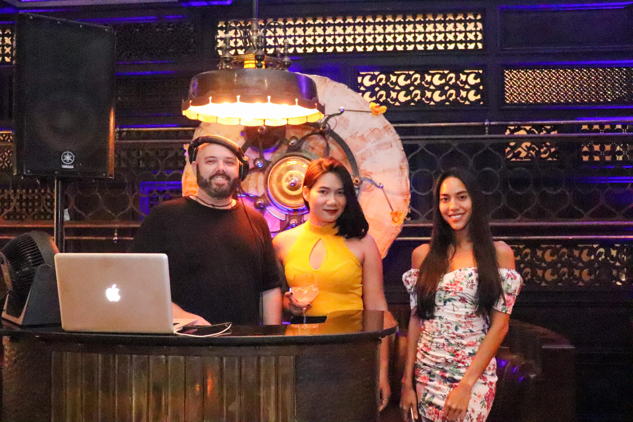 Ladies Night Age Restaurant - 010