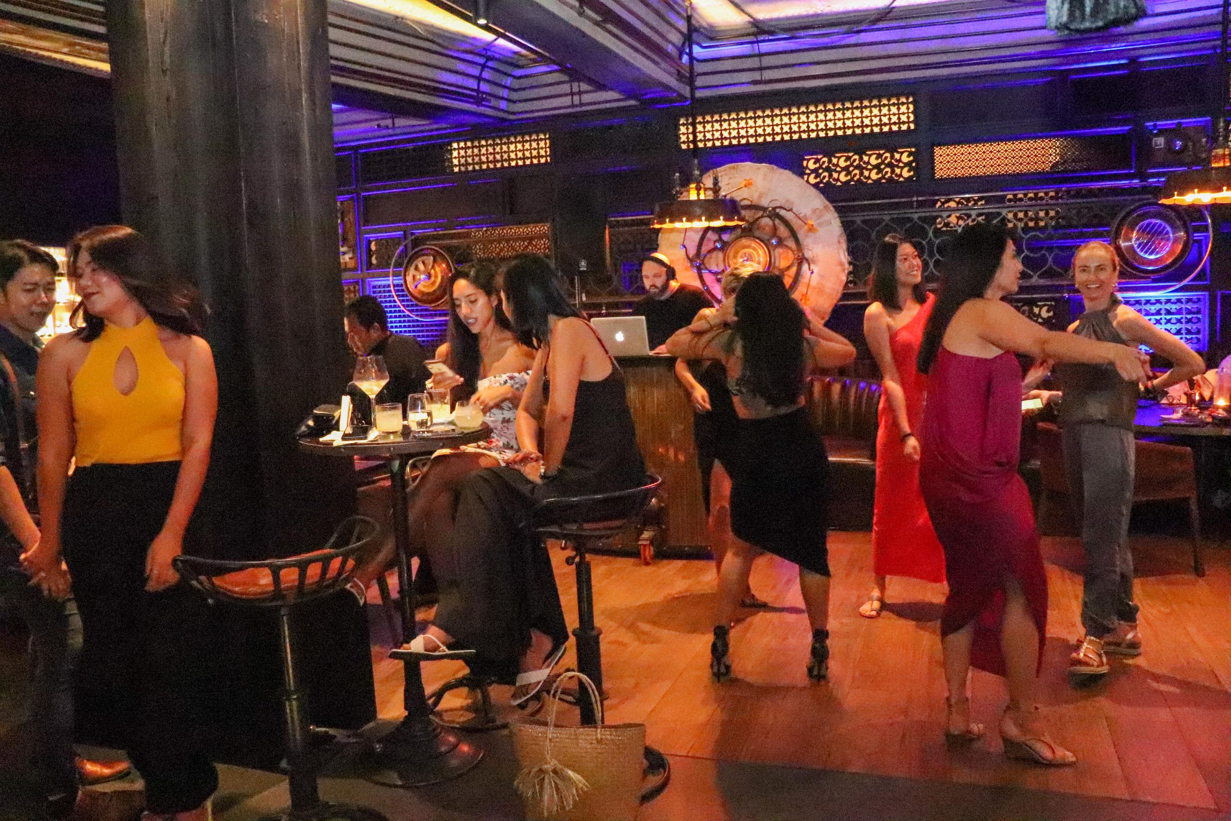 Ladies Night Age Restaurant - 016